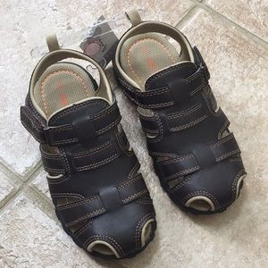Carter's Boys Closed Toe Fisherman Sandals Shoes